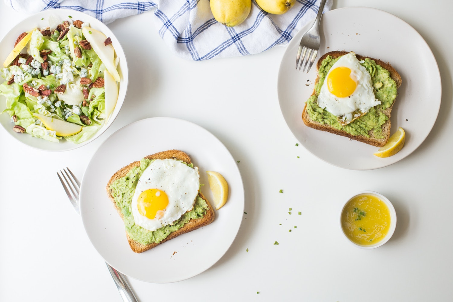 20161010 fried egg avocado toast nm 1.jpg?ixlib=rails 2.1