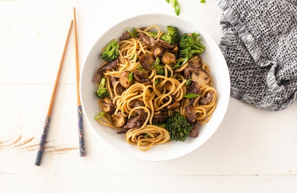 Black Pepper Steak and Noodle Stir-Fry