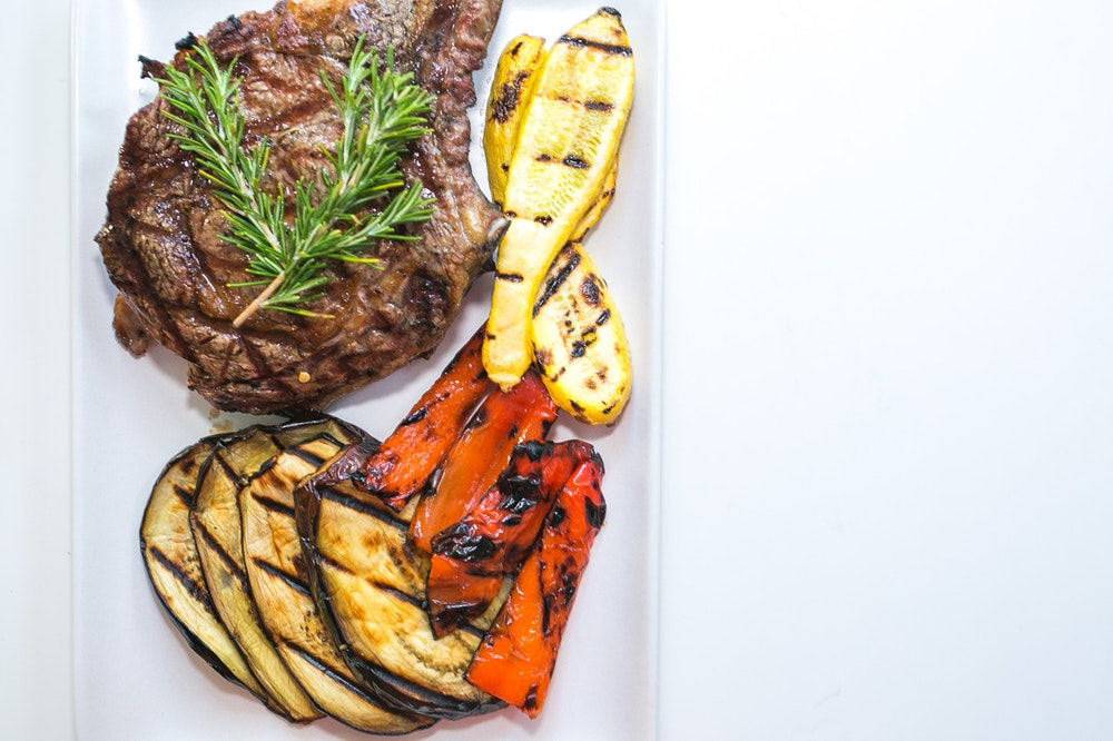Grilled Rosemary Bisteca and Vegetables