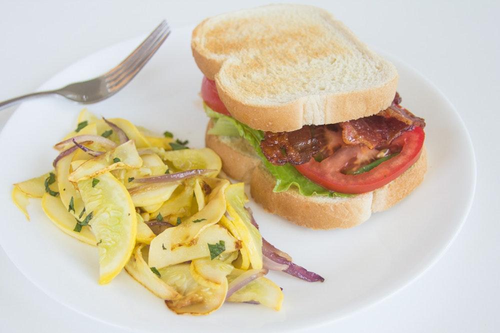 Classic BLT (Bacon, Lettuce and Tomato) Sandwiches