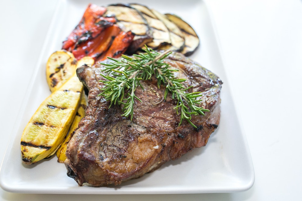 Grilled Rosemary Bisteca with Grilled Veggies