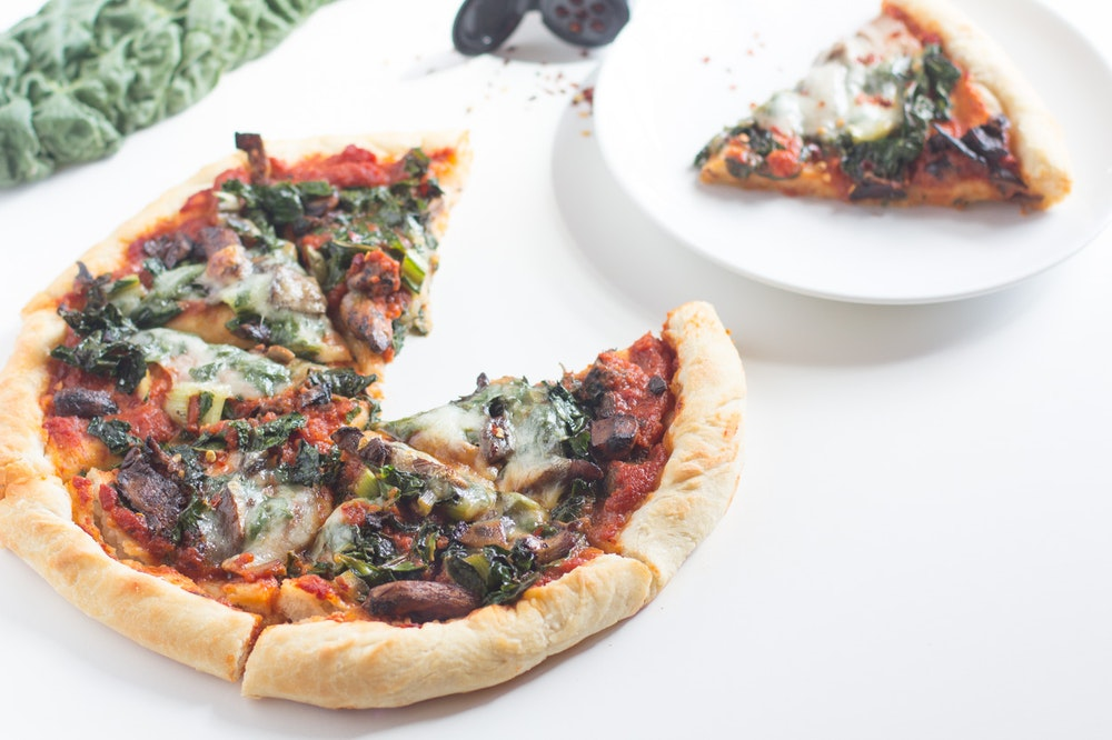 Pizza with Balsamic Mushrooms