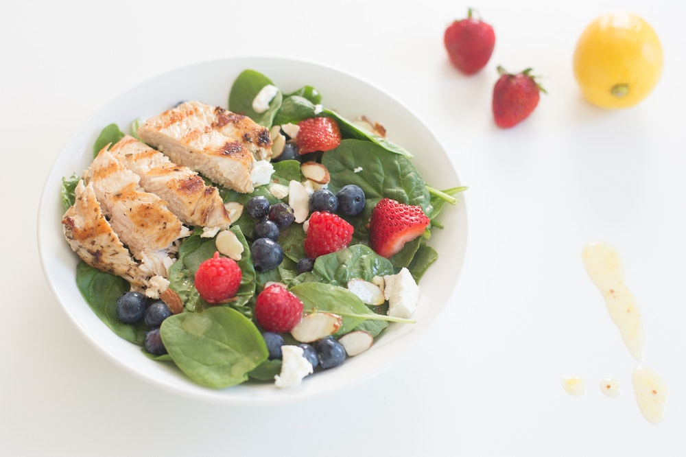 Spinach Salad with Chicken and Berries