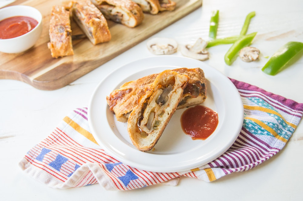 Vegetable Stromboli with Bell Peppers and Mushrooms
