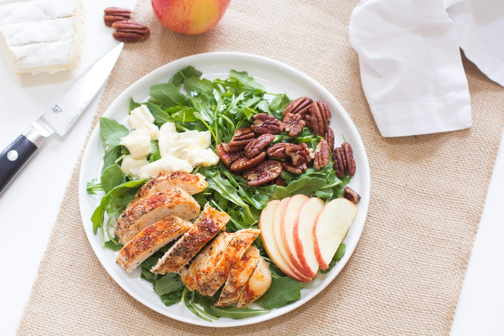 Arugula Salad with Chicken, Pecans and Brie
